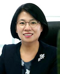 김효정 (KIM HYO JEONG)
